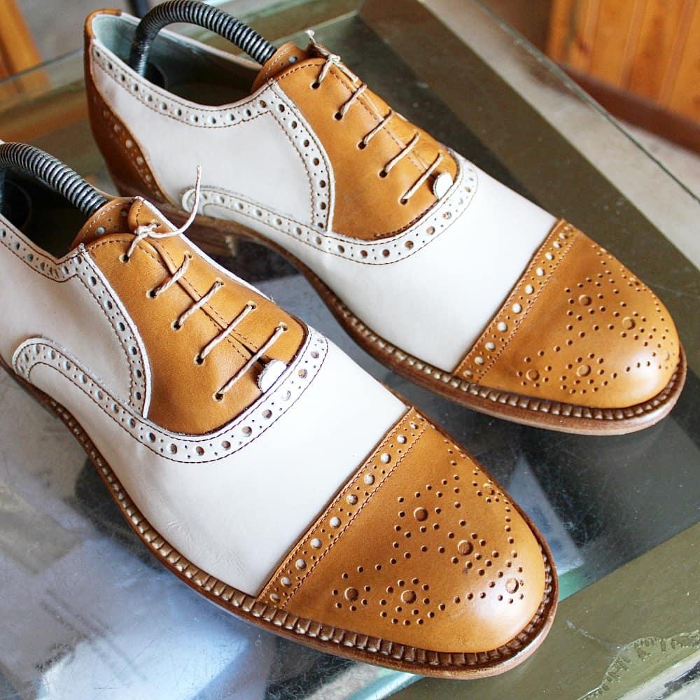 Pisana correspondence/spectator shoes. Photo credit: Calzoleria Pisana